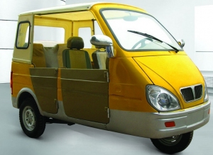 three wheel auto rickshaw